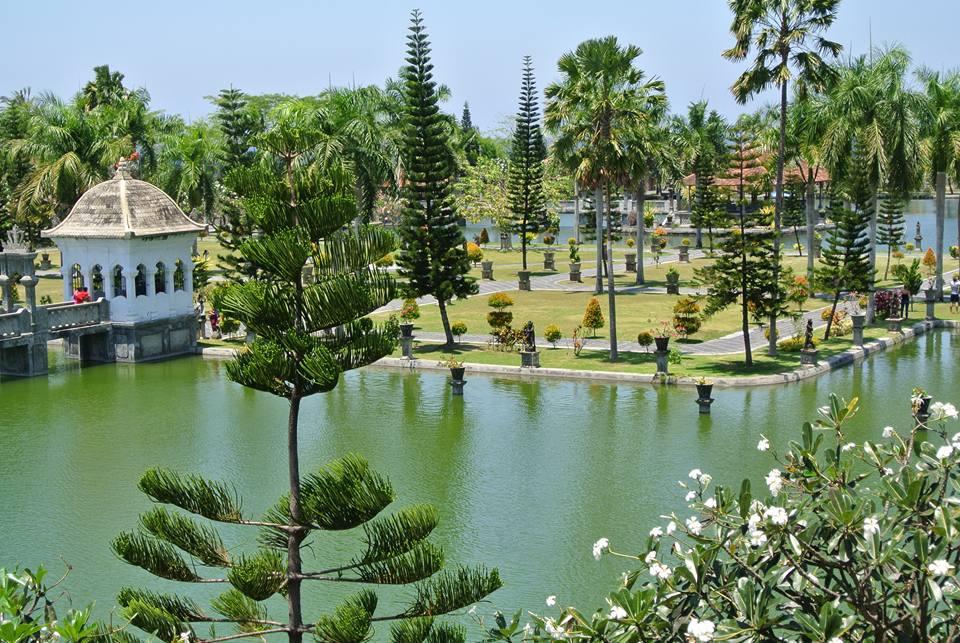 Palais flottant Taman Ujung