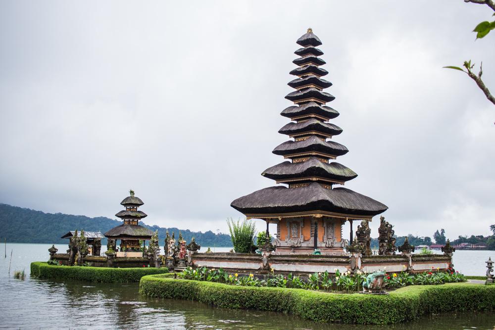 Temple Ulun Danu sur le lac Bratan