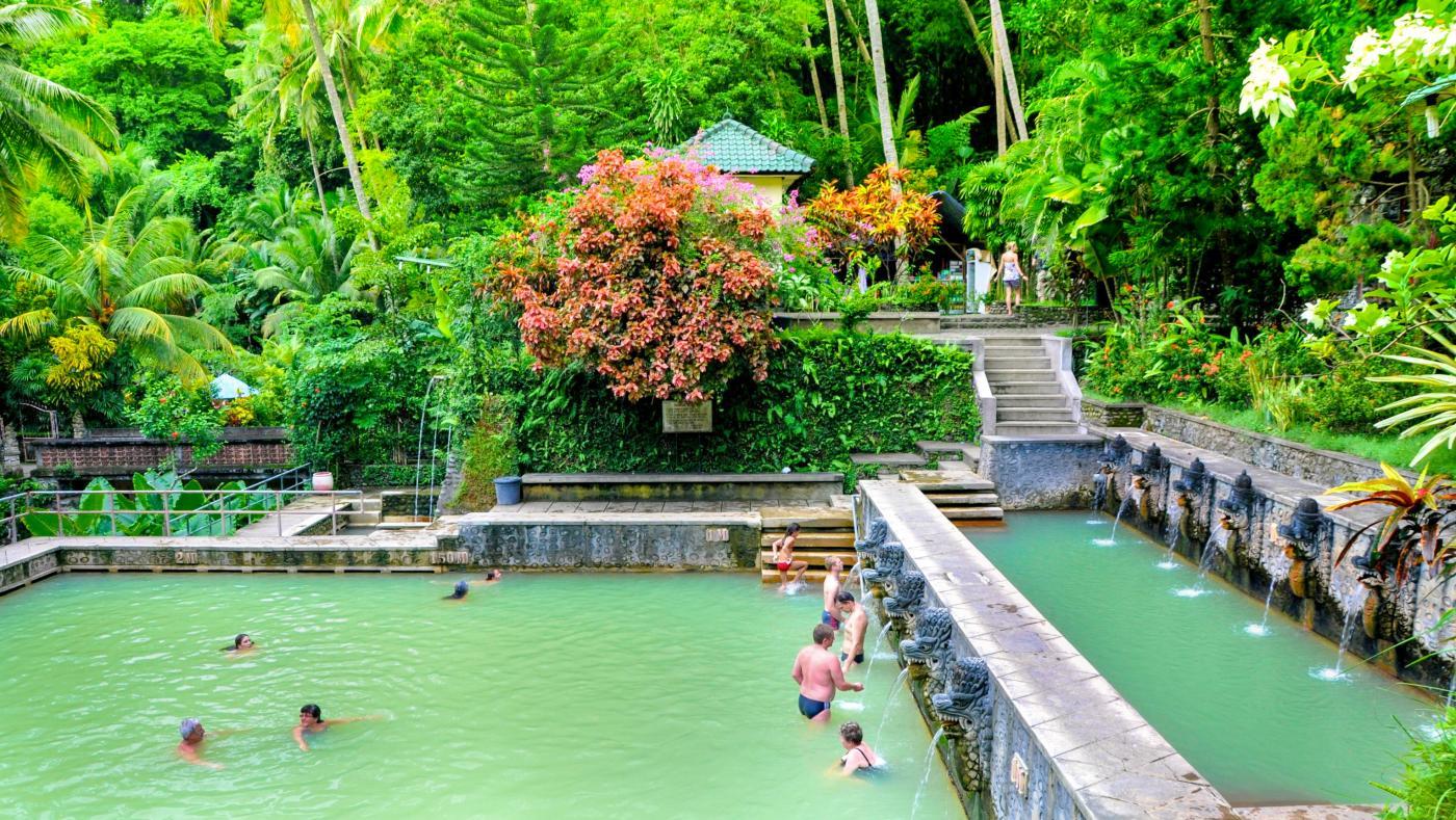 Source d'eau chaude de Banjar