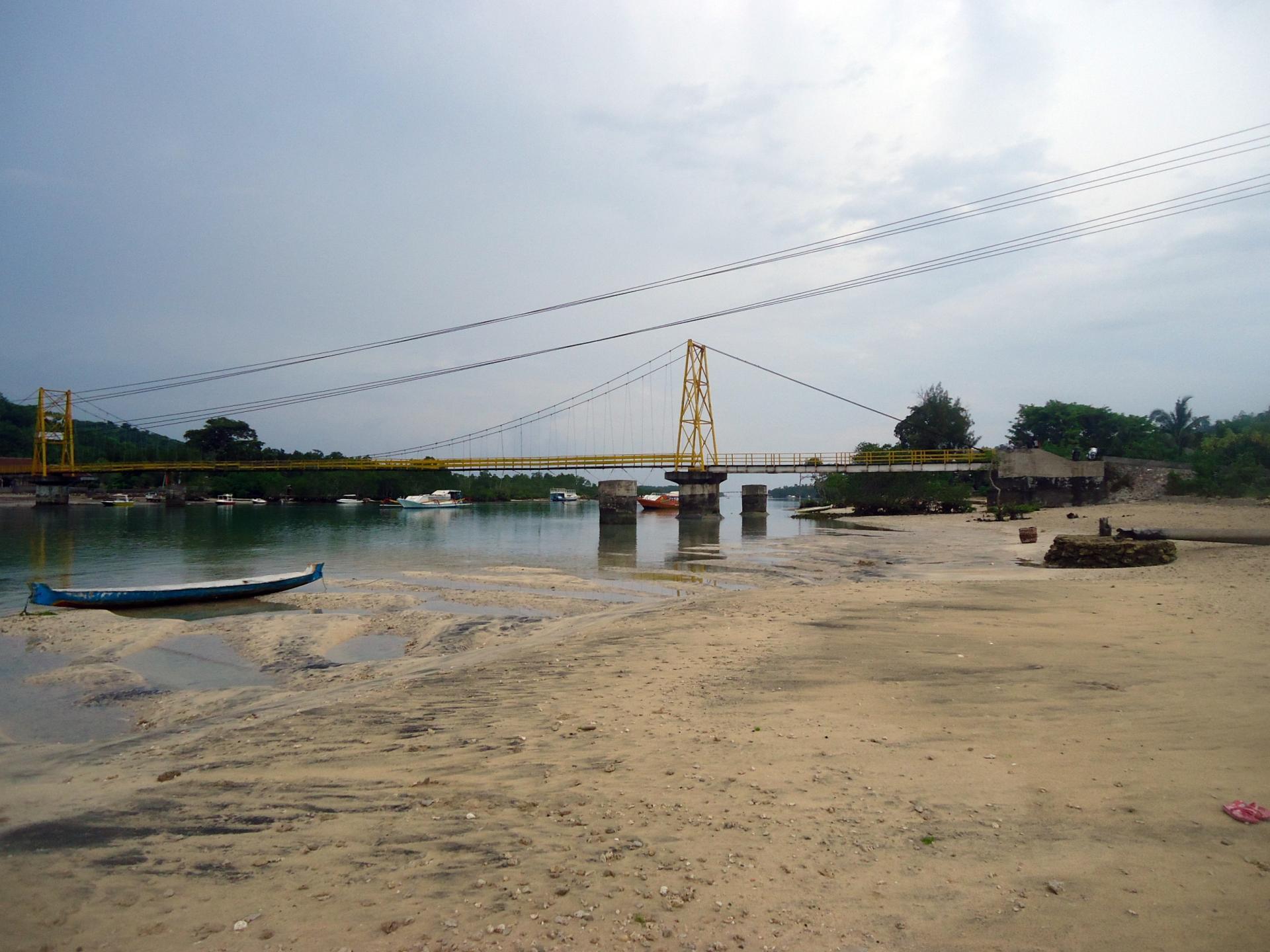 pont jaune nusa lembongan