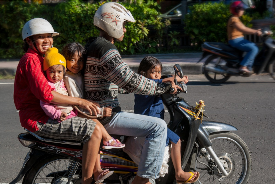 Free images traffic travel transport vehicle motorcycle holiday moped indonesia bali motorcycling family bike 4137x2758 1112199 free stock photos pxhere