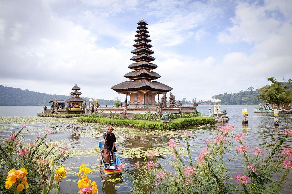 Lac bratan avec son temple Ulun Danu