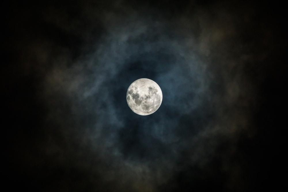 Moon 3059861 1280