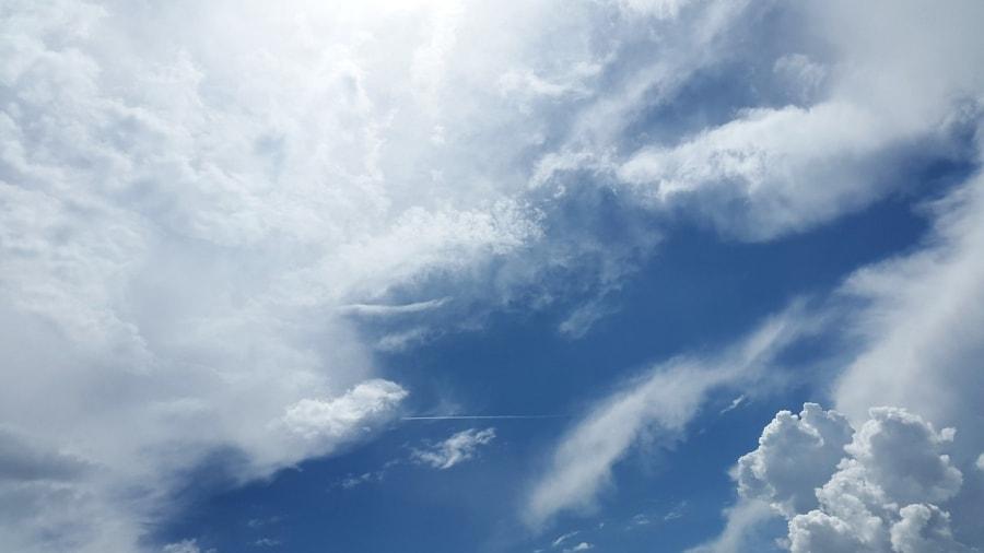 Sky 1441936 1280 min