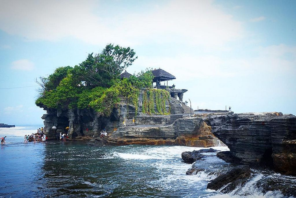 Temple Tanahlot