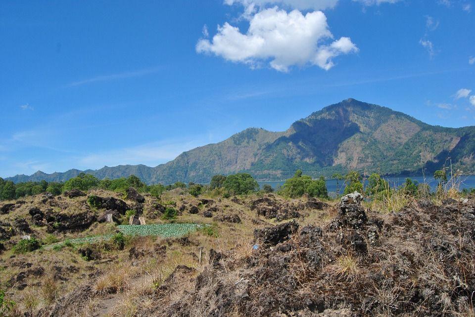 Vue sur volcan Batur